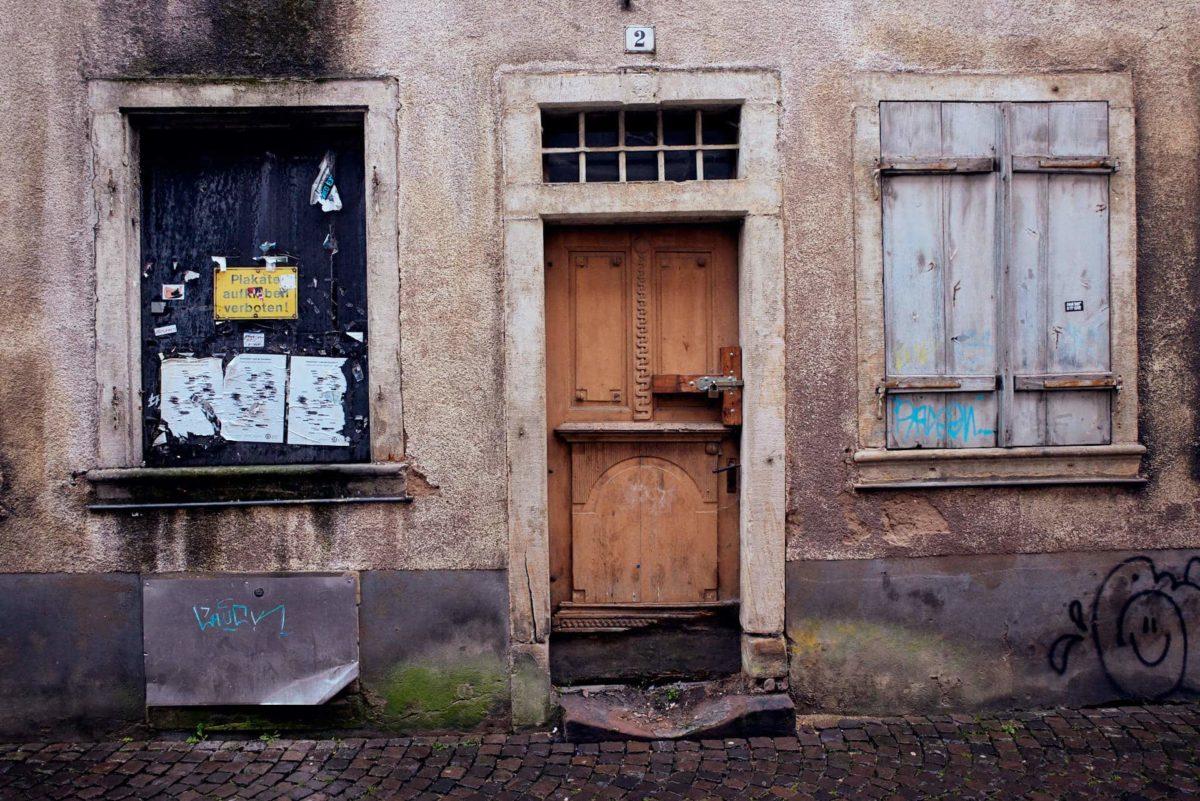 Leerstand und Verfall im Stadtzentrum (Foto: Niko Martin/ thegood.media)