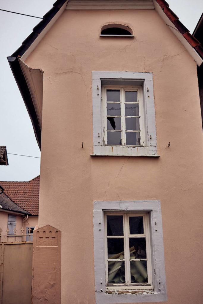 schmales Haus (Foto: Niko Martin/ thegood.media)
